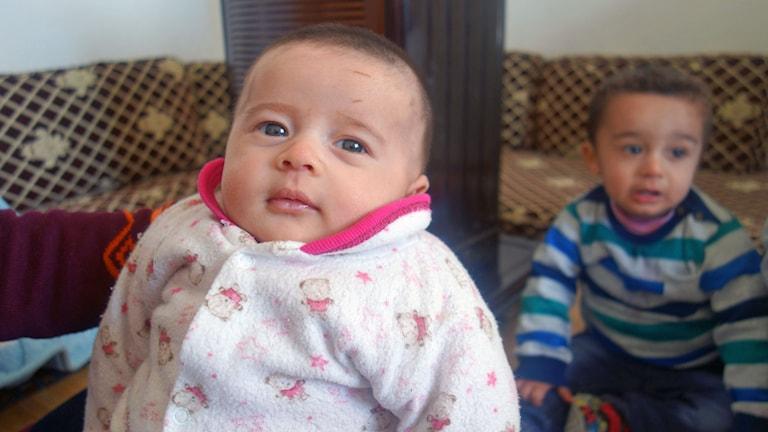 Lilla Rokaya föddes på flykt.