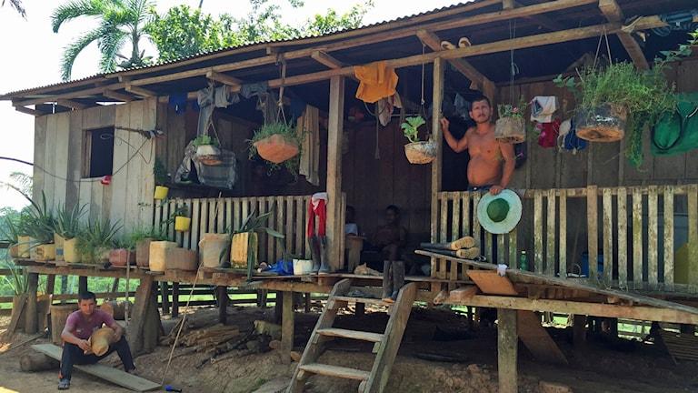 Gabriel bor ute på landet i regionen Putumayo, där många bönder lever på att odla och sälja koka.