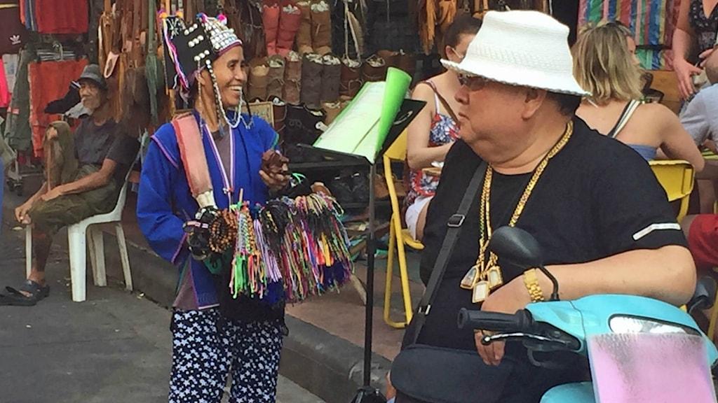 Thailand lockar ungefär 350 000 svenska turister per år.