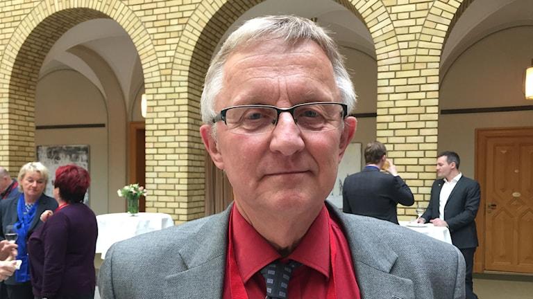 Centerpartisten Staffan Danielsson varnar för effekterna av långvariga gränskontroller i Norden.