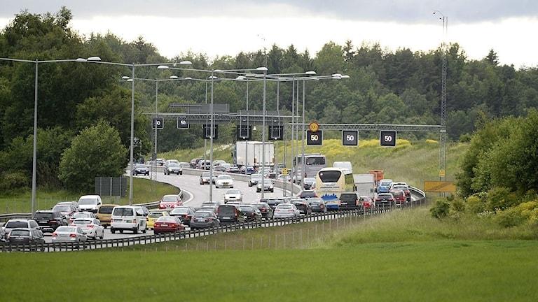 Många vägar är inte anpassade för turismen i Sverige.