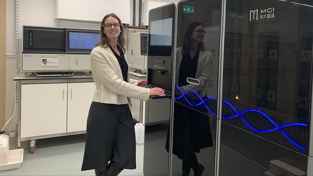 Jessica Alm på Karolinska Institutets labb i Solna