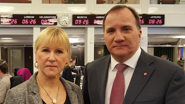 Margot Wallström, utrikesminister och Stefan Löfven, statsminister utanför P1-morgons studio.