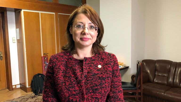 Riksdagsledamoten Oana Florea, som tillhör det styrande partiet PSD.