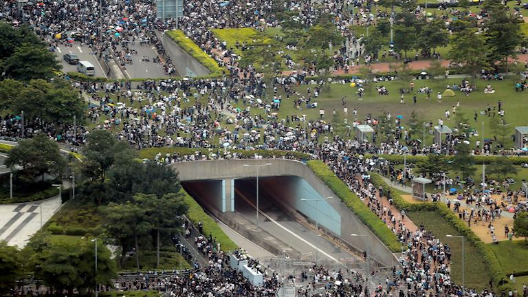 Gatuprotesterna i Hongkong fortsatte under natten till onsdagen.