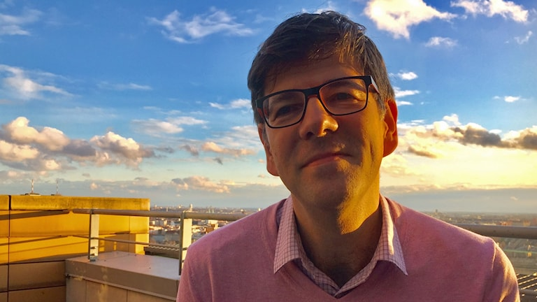 """""""I Berlin känner vi oss välkomna"""", säger Europa-chefen för Open Society Foundations, Goran Buldioski, efter flytten till den tyska huvudstaden. I Budapest kunde organisationen inte arbeta vidare på grund av regeringens trakasserier."""