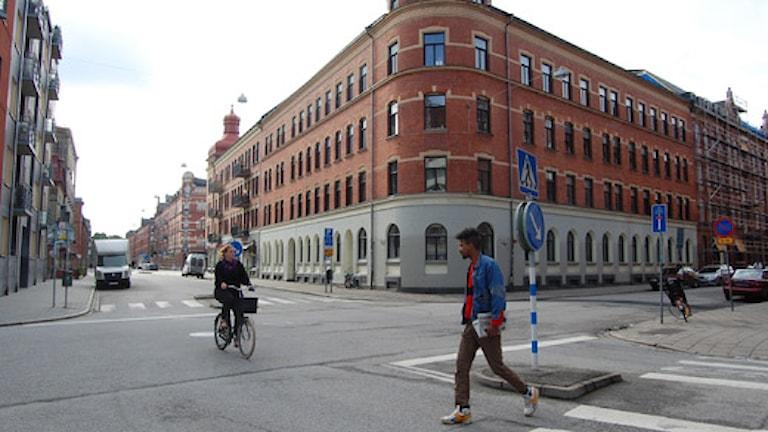 Hörnet Möllevångsgatan/Södra skolgatan i Malmö där en rad våldsbrott skett under det senaste året. Foto: Anna Landelius/Sveriges Radio.
