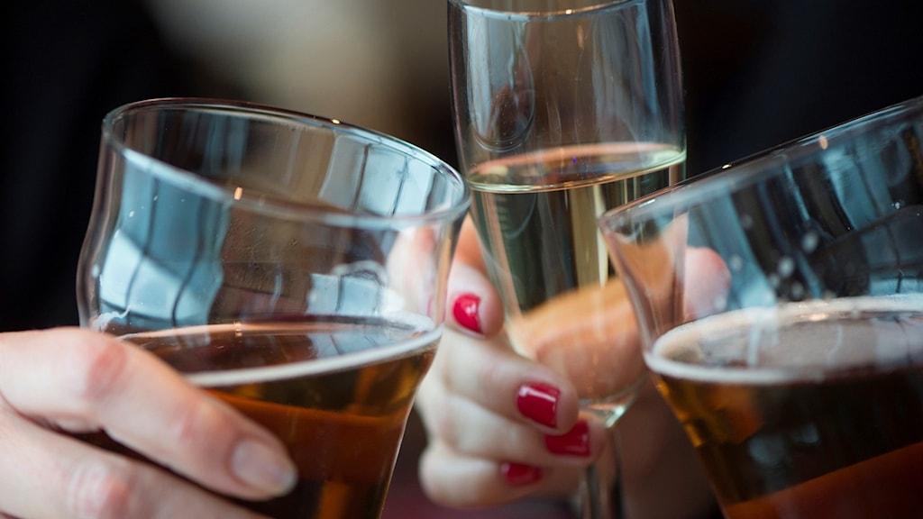 Öl- och vinglas.