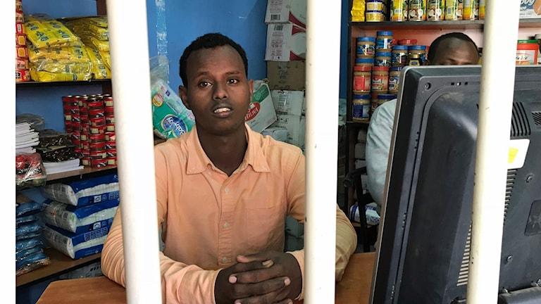 Abdulfatah Ahmed är en av alla somalier i Nairobi och han är orolig.