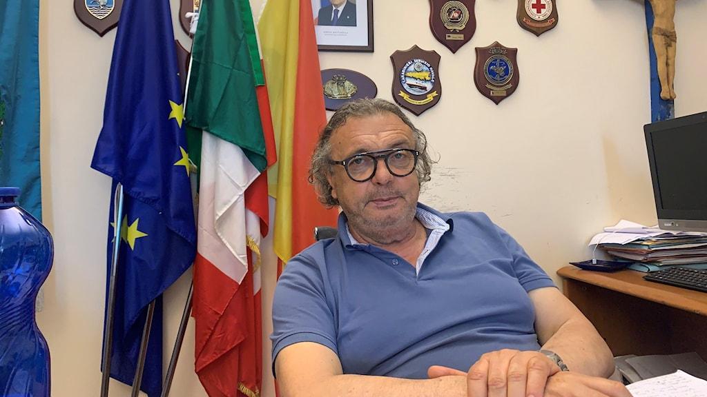Borgmästare Toto Martello hanterar stort inflöde av migranter.