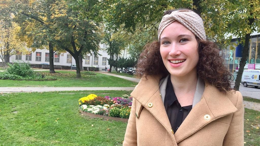 Fokuseringen på hot och faror i klimatdebatten gör det svårt att få människor att ändra beteende och leva mer miljövänligt, hävdar miljöpsykologen Isabella Uhl vid universitetet i Salzburg.