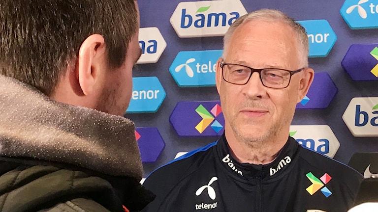 På tisdagskvällen drabbar Lars Lagerbäck, som norsk förbundskapten, samman med svenska landslaget i fotbollens EM-kval.