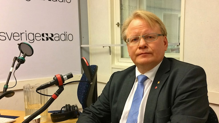 Peter Hultqvist (S), försvarsminister.