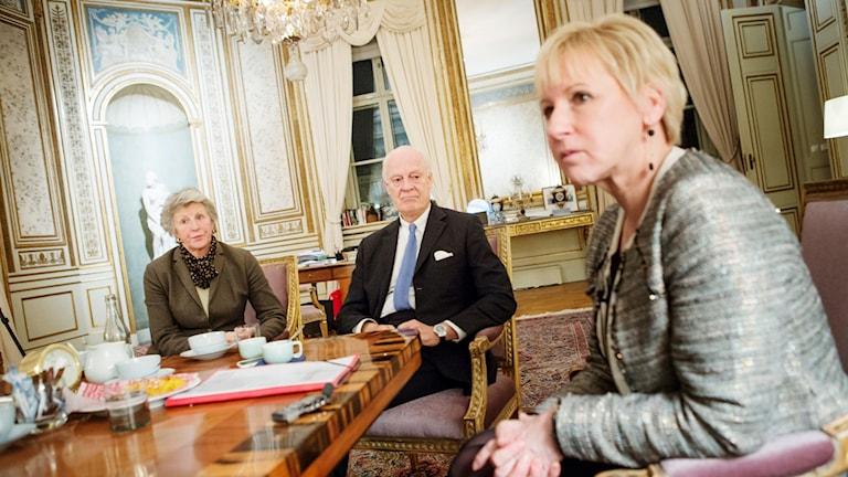 Birgitta Holst Alani, Staffan de Mistura, och Margot Wallström.
