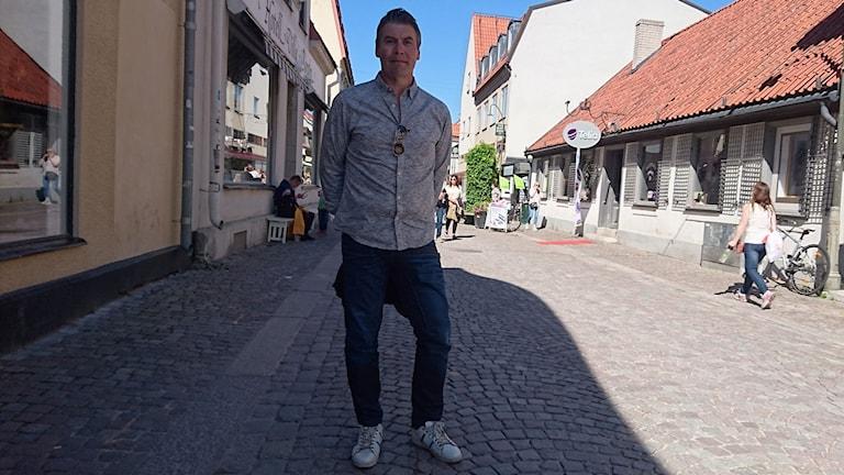 Roger Eriksson har blivit fetmaoppererad och gått ner 56 kilo.