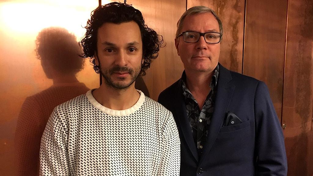 Fotografen och filmaren Martin von Krogh med P1-morgons programledare Håkan Widman.
