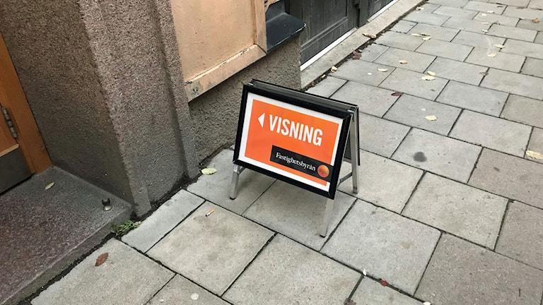 Skylt för en lägenhetsvisning