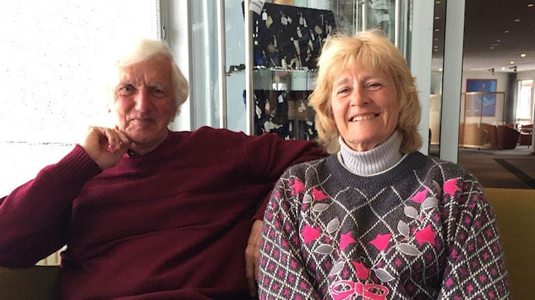 Trishia och Mike Spry från England är nöjda med sin Grönlandsresa, men tycker Grönland behöver bli bättre på att berätta för omvärlden hur vackert det är.