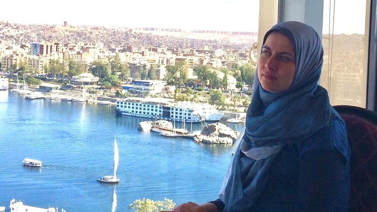 Rehab Abd Almohsen med utsikt över Nilen i Egypten.