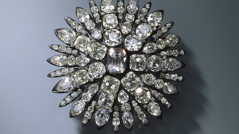 Ett av alla smycken som blev stulet under den största juvelkuppen på decennier.