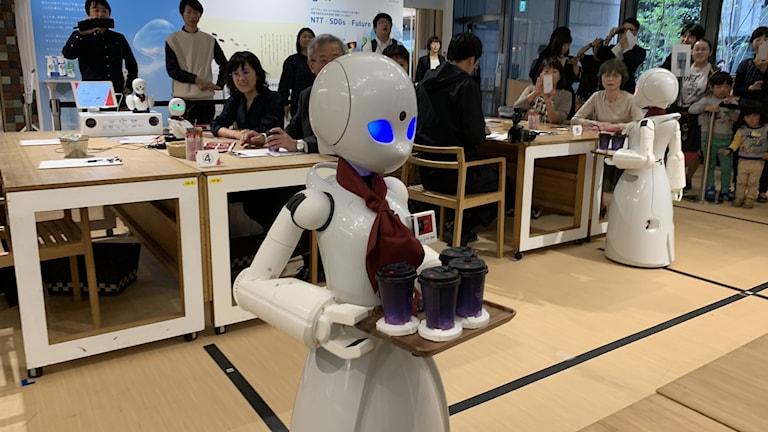 Robot på robotcafé.