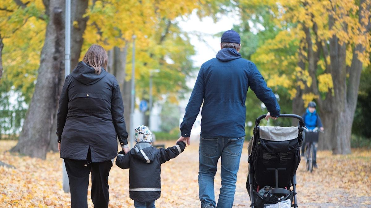 Familj. promenad.