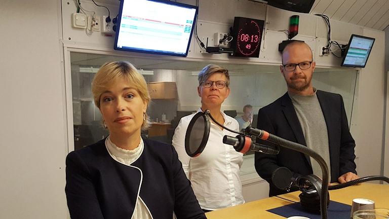 Annika Strandhäll, socialminister, Pia Sjögren, programledare och Alfred Skogberg, generalsekreterare Suicide Zero.