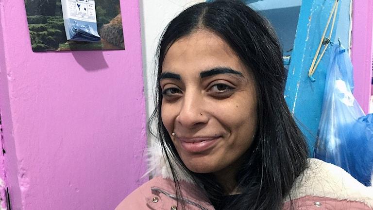 Kvinna rosa bakgrund