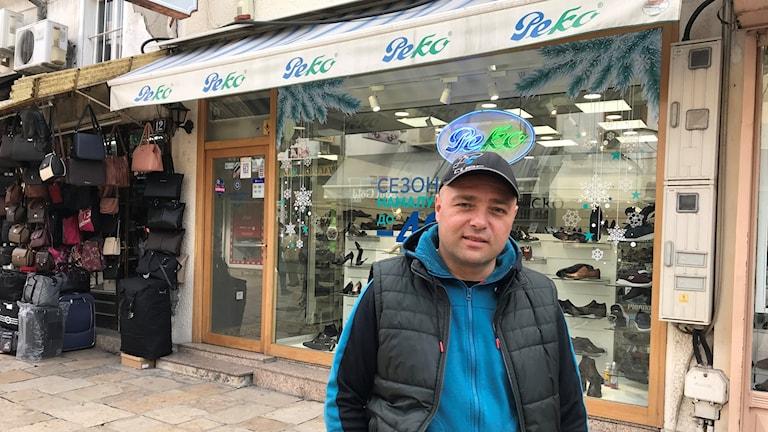 Butiksägaren Goran säger att han aldrig kommer börja kalla sitt hemland Nordmakedonien, trots att landet officiellt byter namn till det.