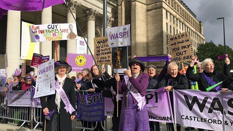 Kvinnor som demonstrerar.