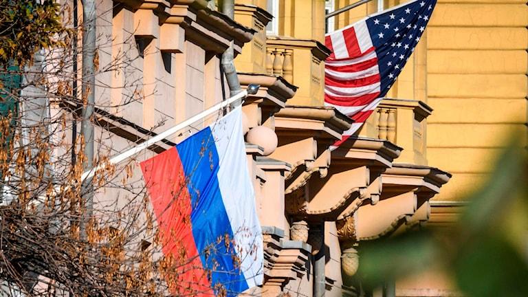 USA:s nationelle rådgivare ska idag träffa Rysslands president Putin.
