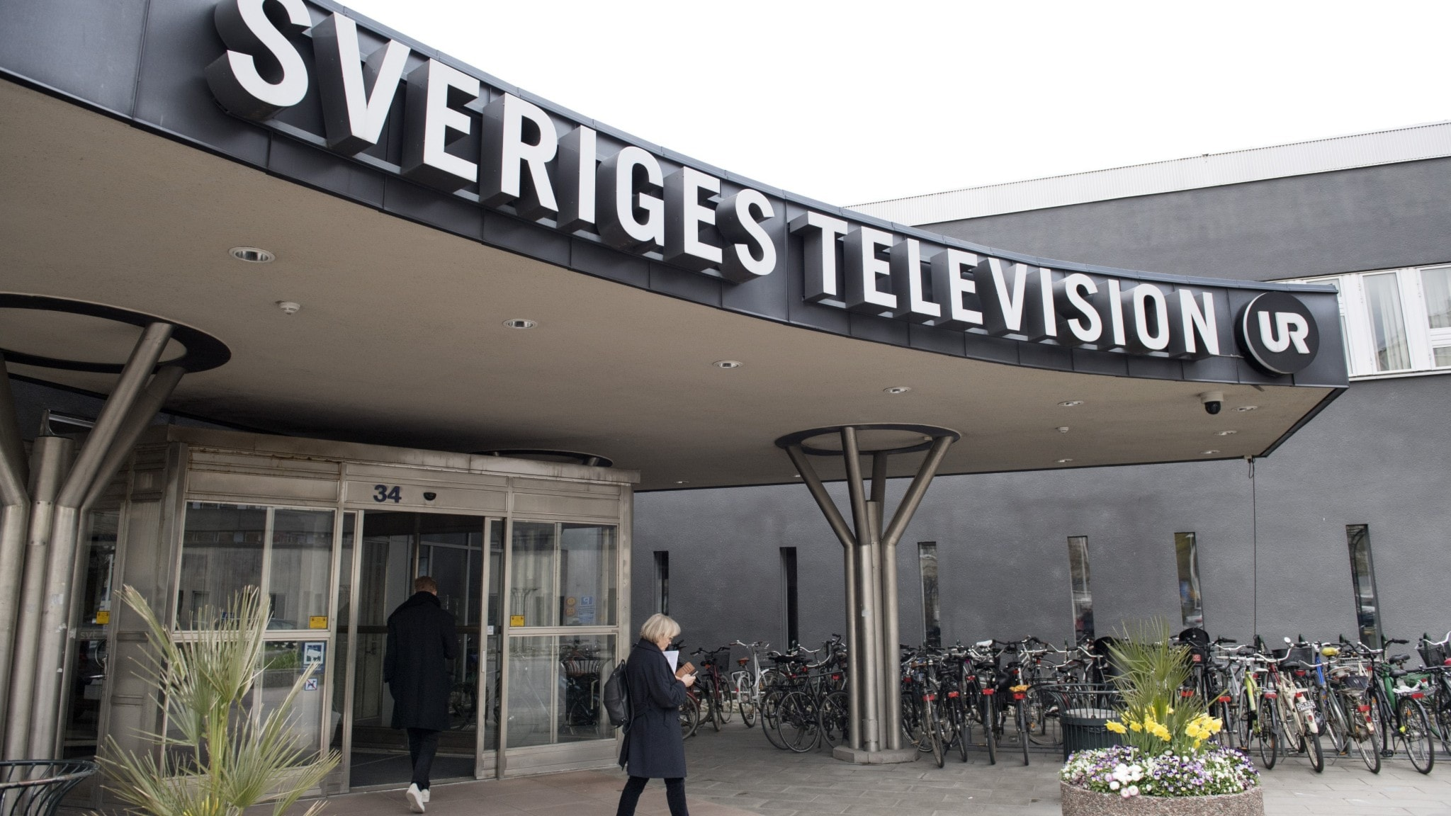 Medarbetare med utländsk bakgrund kritiserar SVT