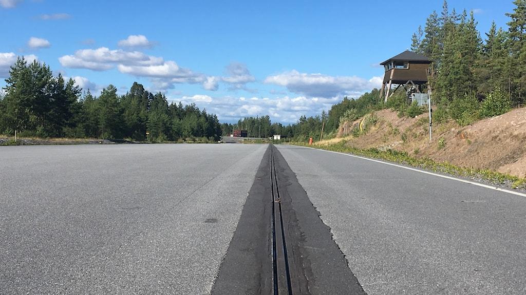 Testbanan till den elväg som nu byggs utanför Arlanda
