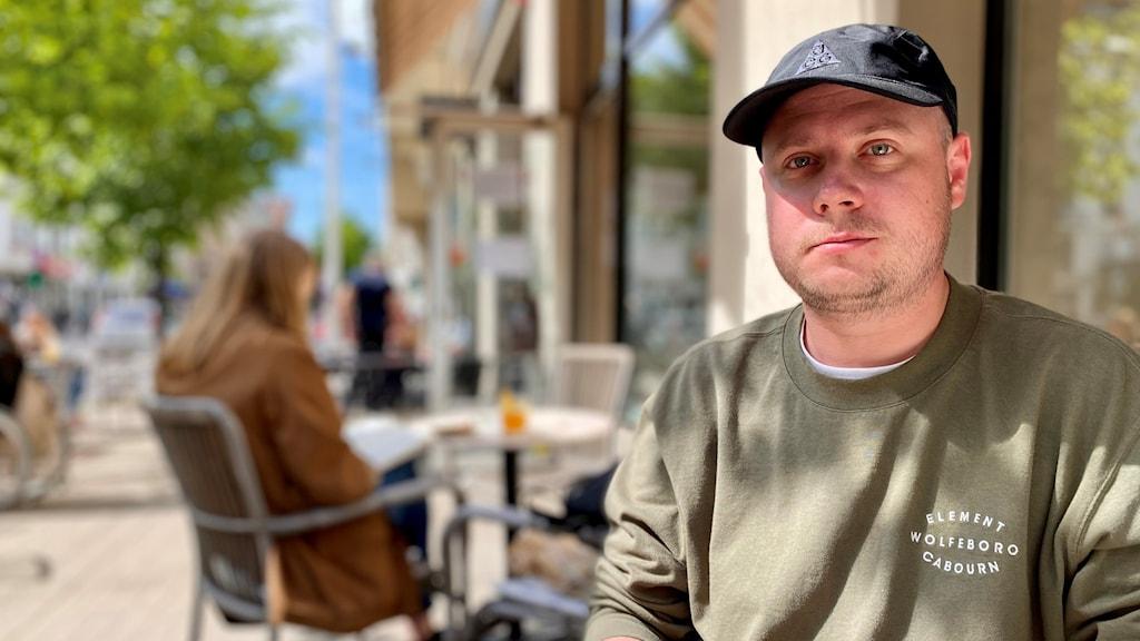Ivan Kolpakov är chefredaktör för oberoende nyhetssajten Meduza som nyligen stämplades som utländsk agent i Ryssland.