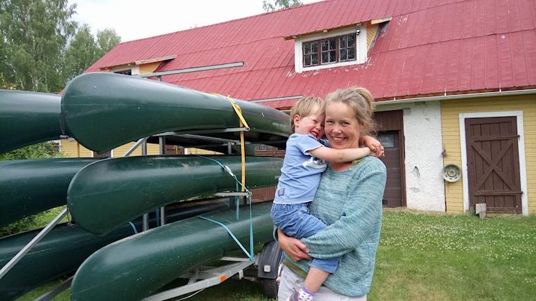 Maaike Smit och hennes son Mans Moerman, 3 år.