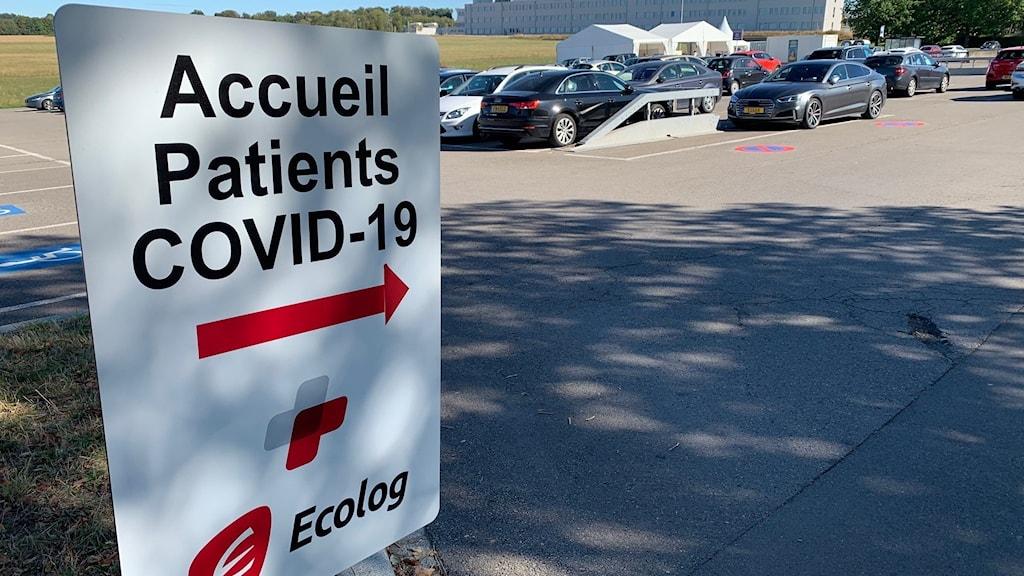 På testcentret i Kirchberg, strax utanför Luxemburg stad, testar de upp till 1 000 personer per dag. Det är ett av 17 testcenter i Luxemburg. Totalt kan de testa 20 000 personer per dag – eller 10 procent av hela befolkningen på en vecka.