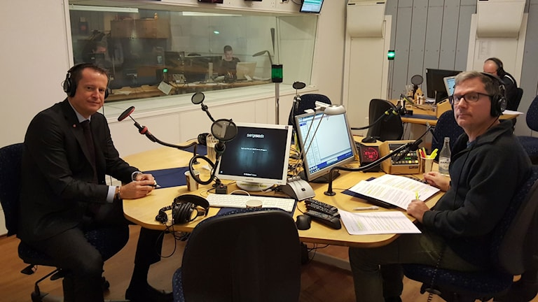 Anders Ygeman, inrikesminister och Håkan Widman, programledare.