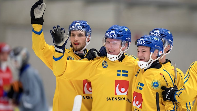Bandy-VM flyttas till efter den svenska bandysäsongen.