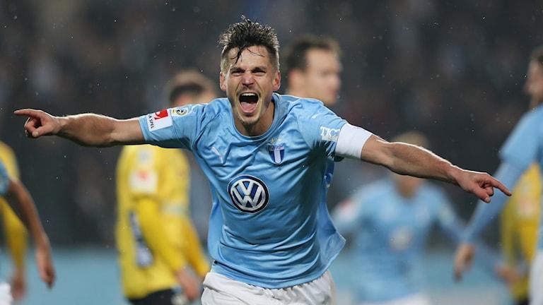 Lagkaptenen visade vägen när skåningarna slog Elfsborg med 2–0 och säkrade tredjeplatsen i allsvenskan.