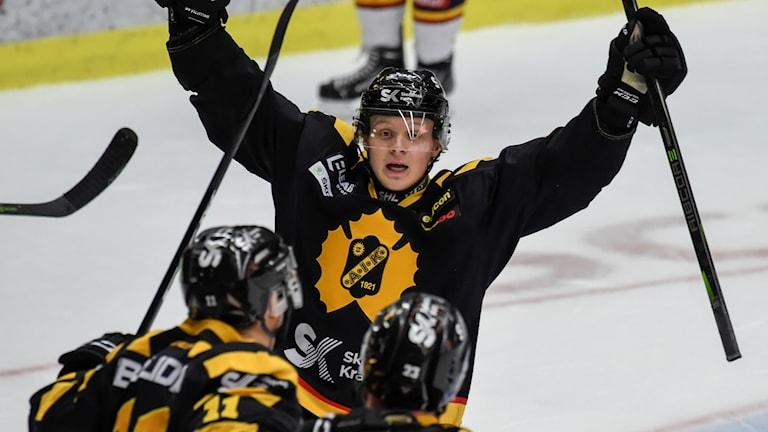Skellefteå besegrar Djurgården.