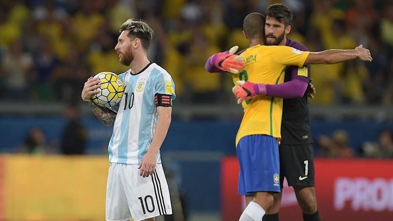 Deppigt för Lionel Messi och hans Argentina.
