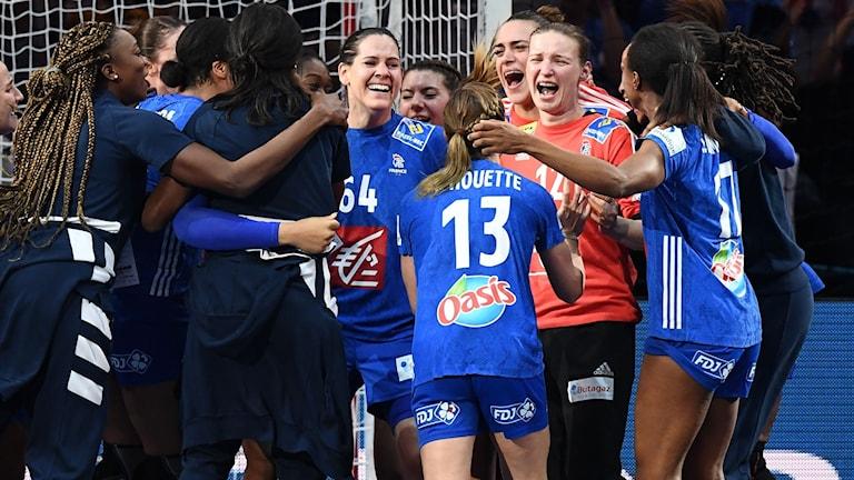 Frankrikes spelare var riktigt lyckliga efter matchen.