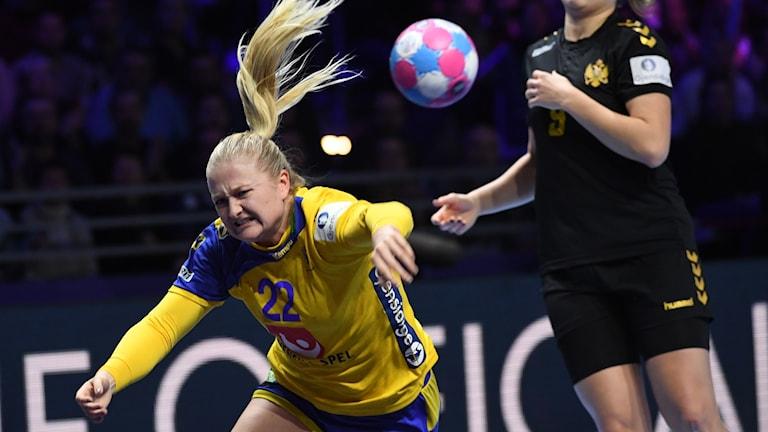 Hanna Blomstrand mot Montenegro.