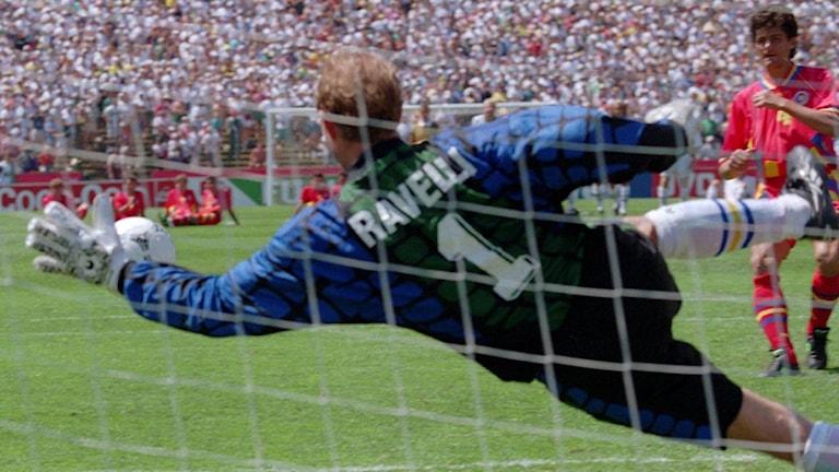 Ravellis klassiska straffräddning 1994.