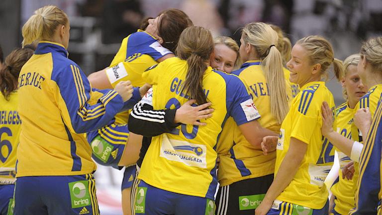 Grubbström, som gjorde sin första match i mästerskapet från start, hade 54 i räddningsprocent efter första halvlek.