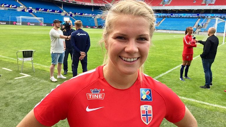 Norska anfallsstjärnan Ada Hegerberg har just fyllt 22 år när hon blev korad till Europas bästa damfotbollsspelare.