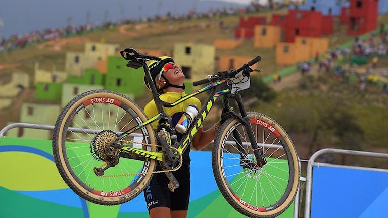 20160820 Jenny Rissveds jublar efter OS-guldet. Foto: Carl de Souza/AFP photo