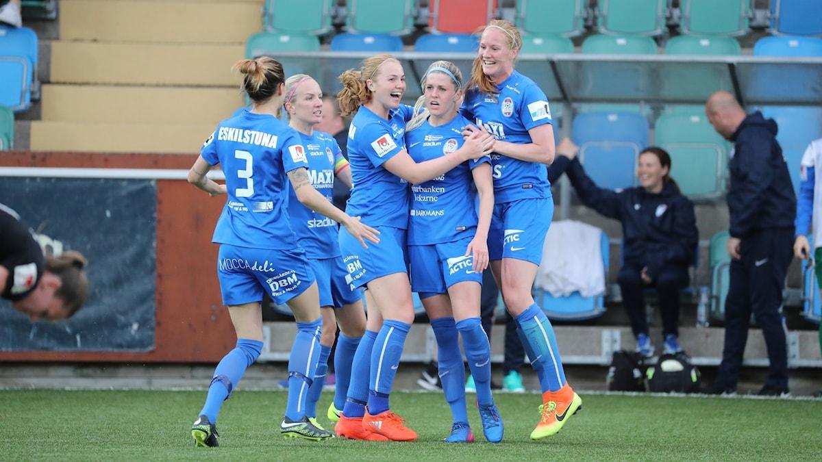 Olivia Schough firar sitt mål mot Göteborg.