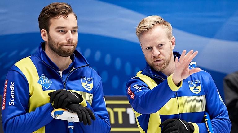 Oskar Eriksson (tv) och Niklas Edin.