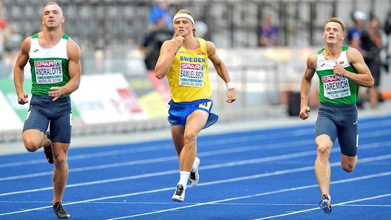 Fredrik Samuelsson sprang 400 meter under tisdagen